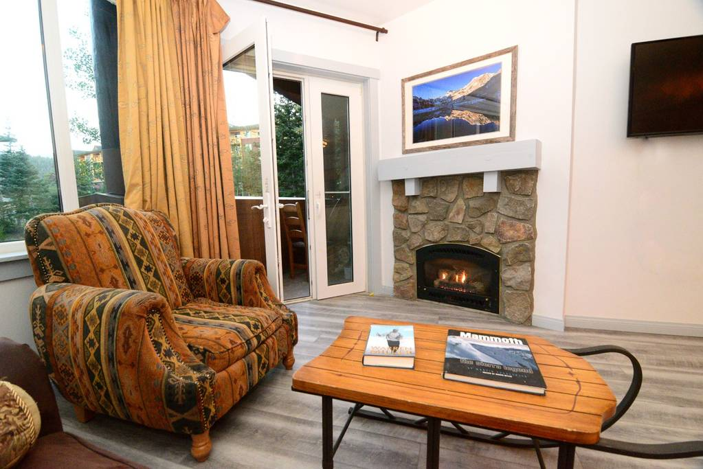 Remodeled Ski-In Ski-Out 1 Bdrm At Mammoth's JSL!